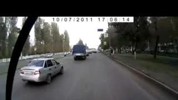 สุดสยอง แม่ลูกโดนรถชนกระเด็น