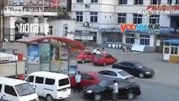 ถอยรถเข้าซอง มันลำบากขนาดนี้เลยหรอ