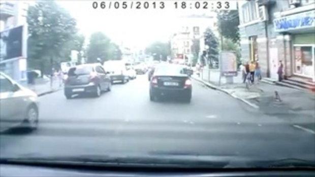 พนักงานขับรถ ปะทะ คุณปู่จอมซ่า ใจกล้าซะเหลือเกิน