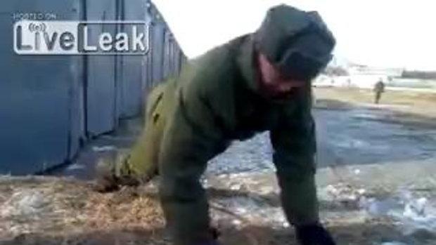 วิดพื้นไม่ต้องใช้มือ! วีดีโอลับทหารสายพันธุ์ใหม่ของรัสเซีย