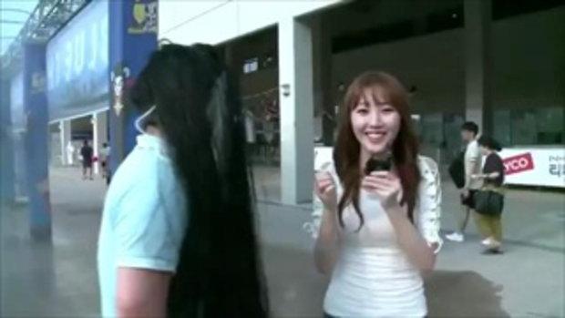 นักข่าวสาวเกาหลี รายงานข่าวอยู่ดีๆ เจอแบบนี้ แทบช็อก !!