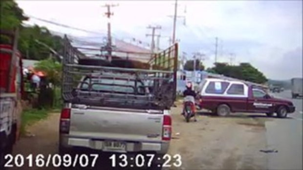 นาทีชนสนั่น รถตู้โดยสารเบรคไม่อยู่พุ่งเสียบรถพ่วงเต็มๆผู้โดยสารเจ็บระนาว