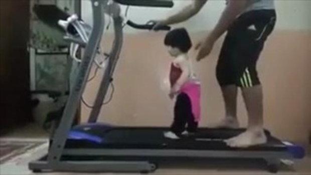 คลิปน่ารัก เรื่อง...หนูออกกำลังกายตั้งแต่เด็กๆ แล้วค่ะ