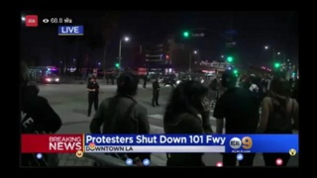 HotNews !!! Trump protesters have shutdown the 101 Freeway in Downtown LA. | 10 Nov. 2016