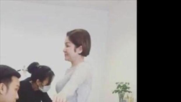 เมียหม่ำ จ๊กมก น้ำตาไหล ลูกสาวพาไปลองชุดงานแต่ง แต่พอรู้เหตุผลจริงๆ นี่ฮาเลย