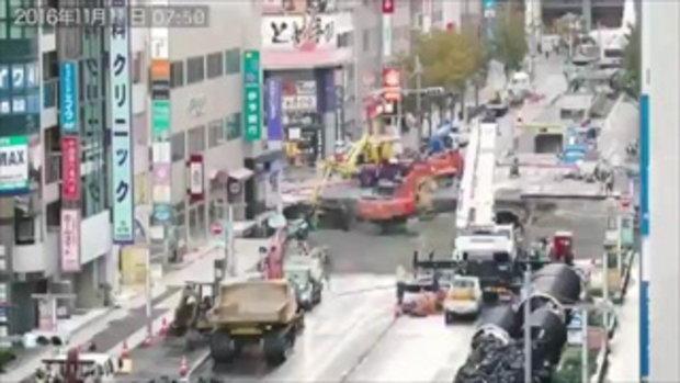 มาดูวิดีโอเบื้องหลังการซ่อมหลุมยักษ์บนถนนในญี่ปุ่น ที่ใช้เวลาซ่อมแค่ 7 วัน