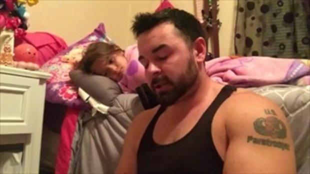 เปิดคลิปอบอุ่น คุณพ่อพูดติดอ่าง เล่านิทานกล่อมลูกสาว จนหลับปุ๋ย