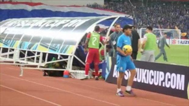 โค้ชทีมชาติอินโดนีเซีย ระบายอารมณ์เขวี้ยงขวดน้ำ นัดทีมชาติไทย อินโดนิเซีย
