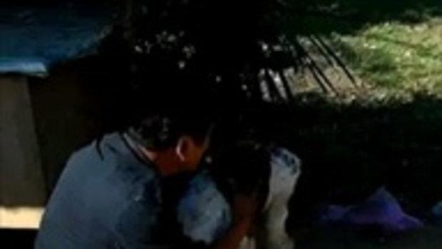 ลุงตามหาหมาหายหลังรถคว่ำจนเจอ วินาทีเจอกันสุดซาบซึ้ง