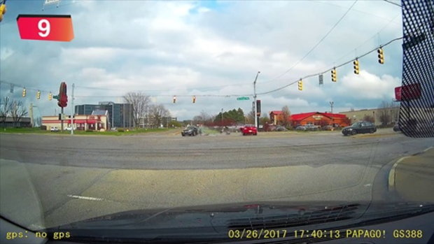 รวมอุบัติเหตุรถชนบนท้องถนน