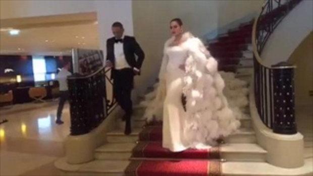 Live!! ชมพู่ อารยา ควงสามี เดินพรมแดงเมืองคานส์ 2017 ปังมากๆๆ