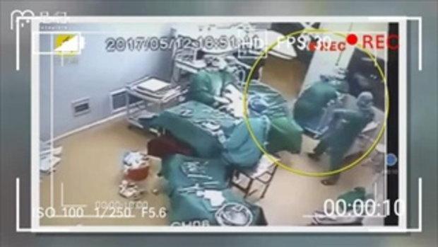 อึกทึก! แพทย์กับพยาบาลทะเลาะตบตีกันในห้องผ่าตัด