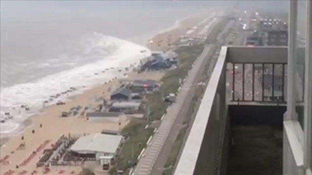 มินิสึนามิ ถล่มหาดเนเธอร์แลนด์