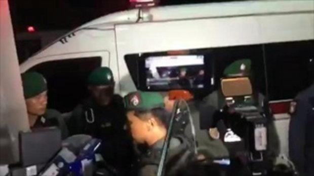 ตำรวจคุมตัว เปรี้ยว พร้อม 2 สาวทีมหั่นศพ ไปฝากขังที่สภ.เขาสวนกวาง
