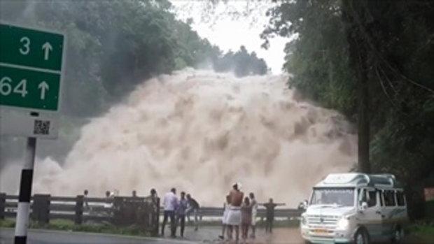 ตื่นตา! ตื่นใจ! กับน้ำตก Athirapally อินเดีย