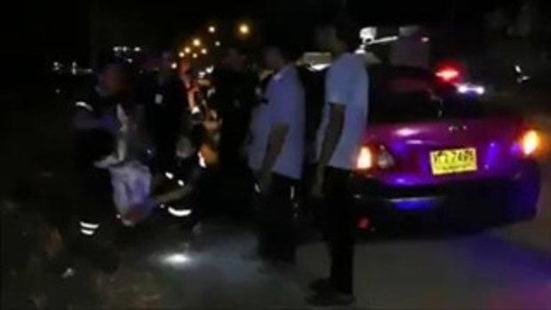 สาววัย 19 เมาหนัก ลงจากแท็กซี่ไปอ้วกข้างทาง ถกกางเกงฉี่แล้วหลับไม่ได้สติ