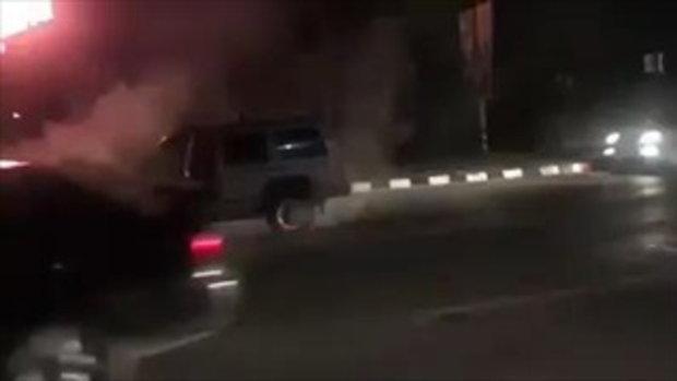 เกิดเหตุ! รถมีควันเหมือนจะไหม้ เจ้าของวิ่งหนีตายกลัวระเบิด!