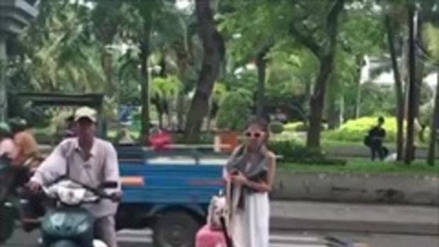 เมื่อคนไทยไปเที่ยวต่างประเทศ คุณดูความมีน้ำใจของเค้า