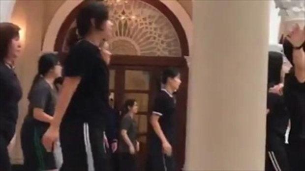 นายกฯ นำทีมข้าราชการทำเนียบ เต้น ผู้สาวขาเลาะ เพลงดัง ลำไย ไหทองคำ