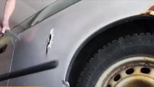 วิธีแก้ตอนลืมกุญแจไว้บนรถ ฉบับ ไม่แนะนำเป็นอย่างยิ่ง