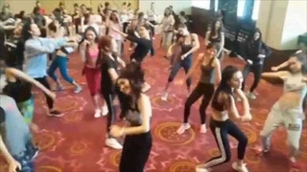 เมื่อสาวงามจาก มิสแกรนด์ไทยแลนด์ โชว์เต้น ผู้สาวขาเลาะ มีความเต้นมันไปอีก