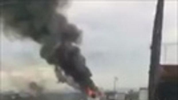 บนสะพานกาญจนาภิเษก เกิดเหตุ รถ 6ล้อ ไฟไหม้ ไม่ทราบเหตุ