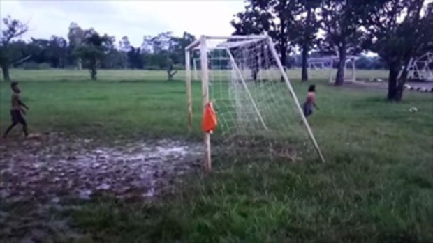 นักกีฬาฟุตบอลทีมชาติในอนาคต ของเด็กๆบ้านนอก
