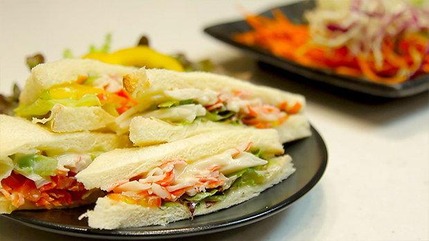 Sanook Good Stuff : แซนวิชปูอัดสลัดผัก