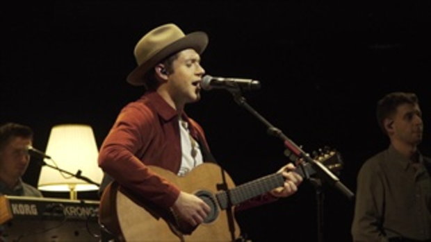 Niall Horan - This Town (Live in Singapore 070717)