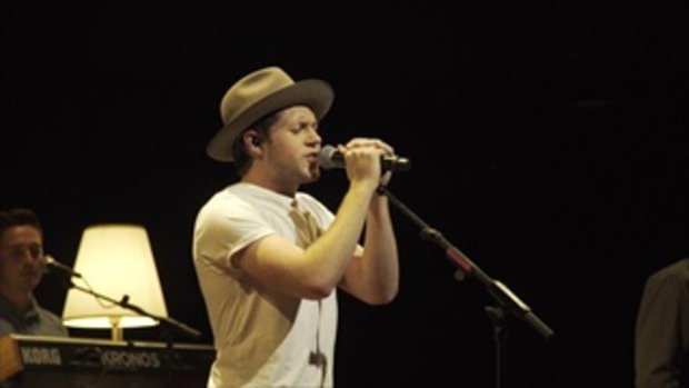 Niall Horan - Slow Hands (Live in Singapore 070717)