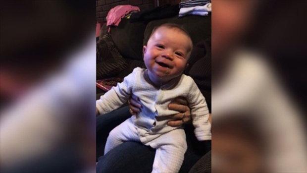 เมื่อทารกน้อยไม่ยอมหยุดขำ
