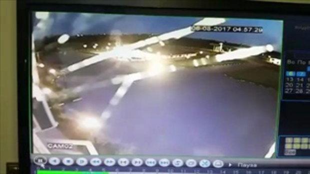 คลิปสยอง! ปั๊มแก๊สระเบิด เพลิงไหม้ลามทั้งถนน-ย่างสดคนวิ่งหนีตายสุดชีวิต