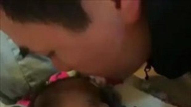 พ่อน็อต รักและหลงลูกแฝดหนักมาก น่าเอ็นดูจริงๆ