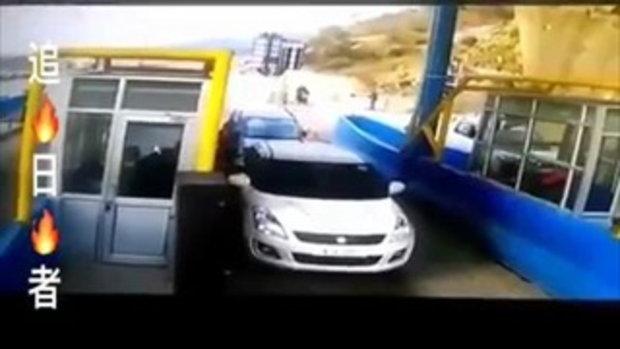โคตรรุนแรง!! ชมชัดๆวินาทีอุบัติเหตุน่ากลัว บอกแล้วอย่าจอดรถนานเกินไป