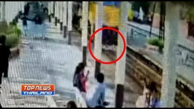 ช็อกทั้งสถานี !! หนุ่มวัย 23 ปี กระโดดให้รถไฟทับแต่ไม่ตาย คาดอาจเป็นโรคซึมเศร้า