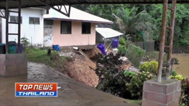 นายอำเภอหลังสวน สั่งอพยพชาวบ้านไปอยู่ในที่ปลอดภัย หลังพบดินทรุดตัว บ้านพังเสียหาย 3 หลัง