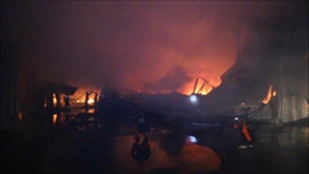 เพลิงไหม้โรงงานหลังคาเหล็กที่สีคิ้ววอด 2 หลัง เสียหายรวมกว่า 60 ล้านบาท