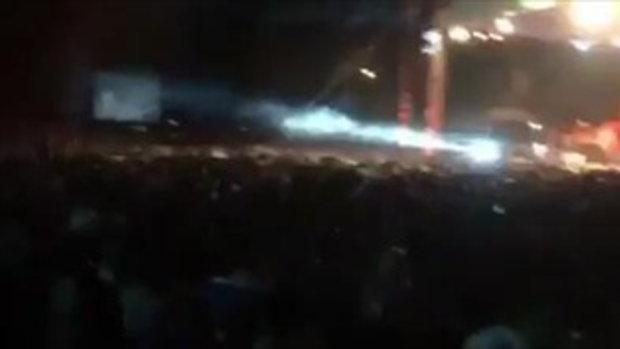 โจ๋แสบยกพวกตีในคอนเสิร์ตคาราบาว !!! น้าแอ๊ดพูดคำเดียวหยุดซ่าส์ทันที!!!