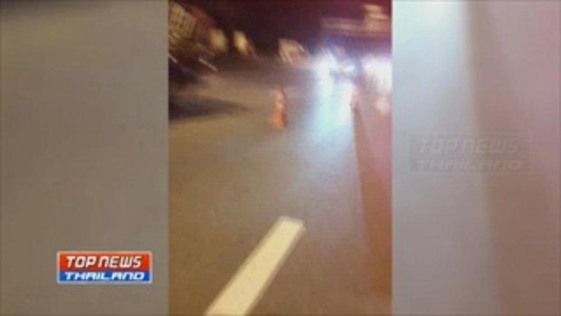 รถเก๋งซิ่งชนต้นไม้ข้างทางไฟลุกไหม้วอดทั้งคัน ส่วนคนขับถูกไฟคลอกเสียชีวิตคาซากรถ