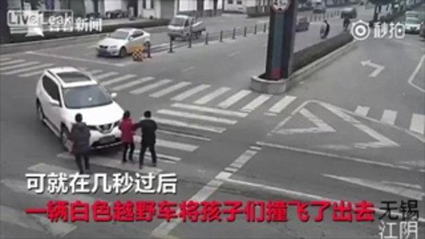 คลิปนาทีสาวขับเก๋งชนคนข้ามถนน สอบประวัติพบไม่มีใบขับขี่ เคยชนคนมาแล้ว 4 ครั้ง