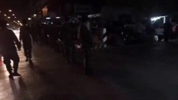 ทหารกว่า 100 นายตรึงกำลังตรงประตู 5-6 ปิดกั้นไม่ให้เข้าไปในวัดธรรมกาย 21_2_2560