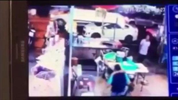 ชายควักปืนจะยิงเด็กหญิง วัย 14 ปี พลเมืองดีช่วยห้ามชุลมุน