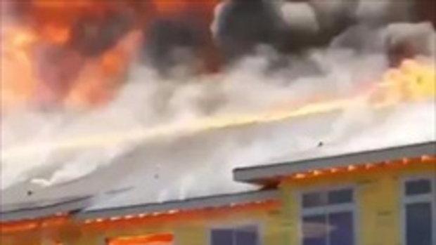 โกงความตาย หนุ่มติดบนตึกไฟไหม้รุนแรง สติทำให้เขามีชีวิตรอด