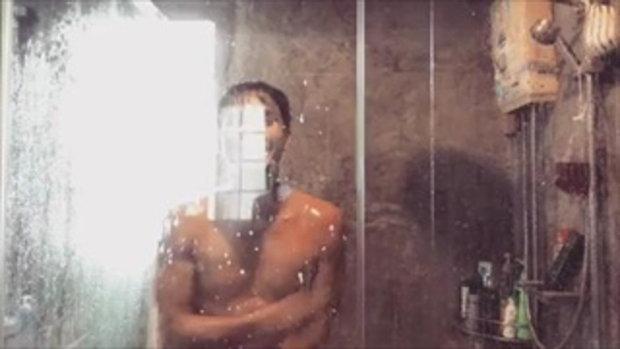 โอ อนุชิต อาบน้ำโชว์กล้อง