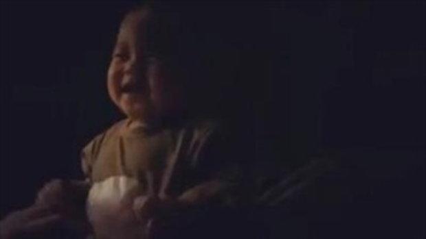 น้องเป่าเปา กลางคืน ไม่หลับไม่นอน โชว์แต่ความน่ารัก อืม.. นางบ้าจี้ด้วยแฮะ