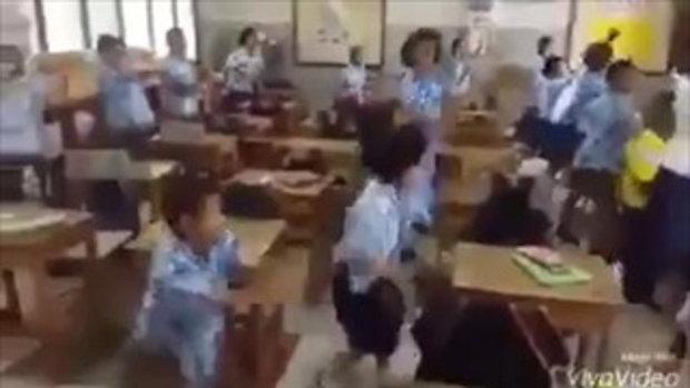 แบบอย่าง ครูไทย เล่นใหญ่รัชดาลัย สอนแบบนี้สิเด็กๆ ถึงอยากจะไปโรงเรียน