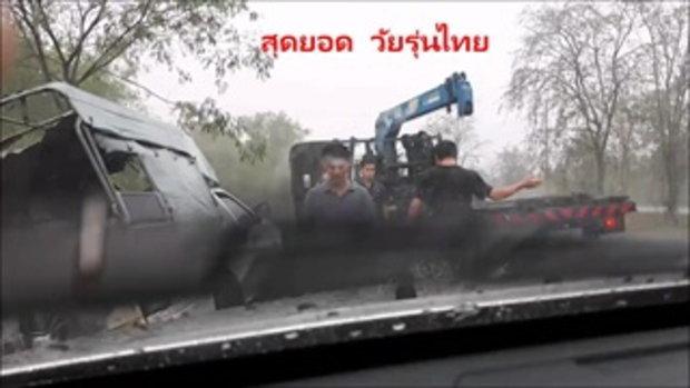 แห่แชร์ คลิปวัยรุ่นรุดช่วยลุงขับรถตกหล่ม ขณะฝนตกหนัก