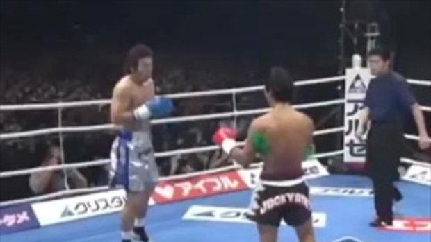นักมวยไทยร่างเล็ก VS นักมวยชาวญี่ปุ่นรุ่นยักษ์ เกมเราเหนือกว่าเค้าเยอะ แต่ไหงผลออกมาแบบนี้ล่ะ