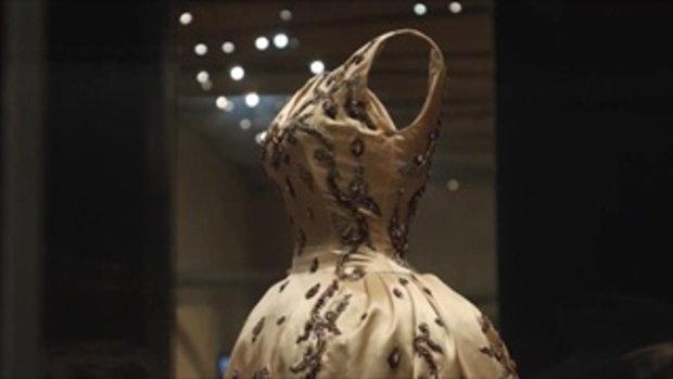 กบนอกกะลา : มหัศจรรย์ผ้าไทย หัตถศิลป์แผ่นดินสยาม ช่วงที่ 4/4 (10 ส.ค.60)
