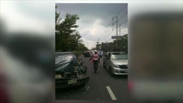 หนุ่มน้ำใจงามขี่บิ๊กไบค์แซงหน้า ฝ่ารถติดเปิดทางให้รถกู้ภัย